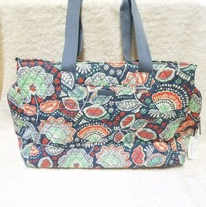 New Vera Bradley Nomadic Floral Travel Bag